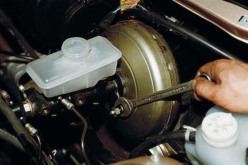 Главный тормозной цилиндр в рабочем состоянии