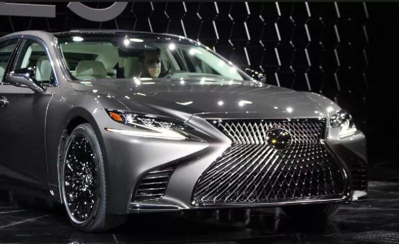 Photo of Новый Lexus LS 500 порадует нас только осенью 2017-го