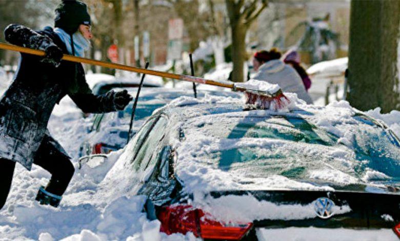 Автомобиль в снегу. Как правильно откопать?